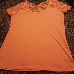 Rue 21 coral knit cotton/lace tee